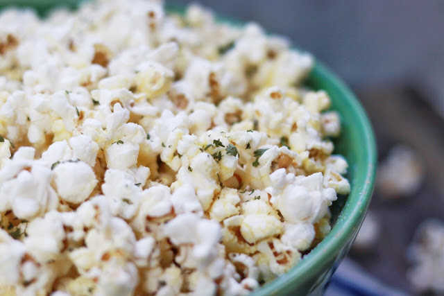 popcorn seasoning recipe: Parmesan, Garlic, and Truffle Popcorn recipe