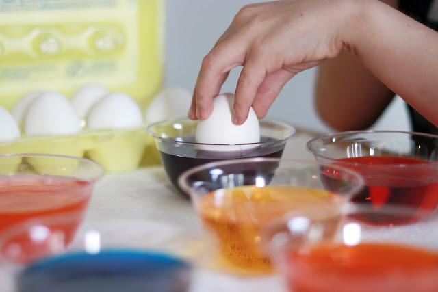 How to make easy Avengers Easter eggs