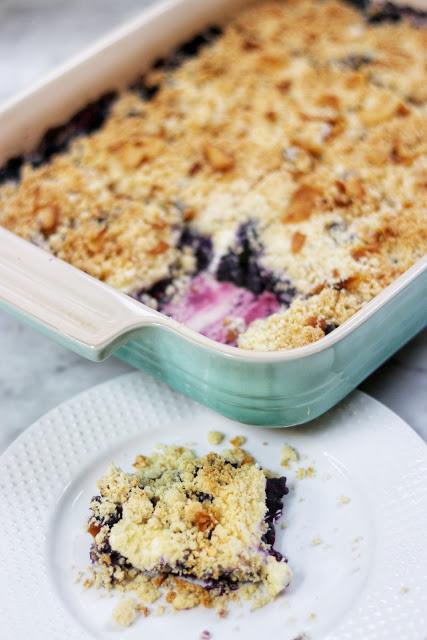 delicious keto dessert recipe idea: keto blueberry cream cheese crumble