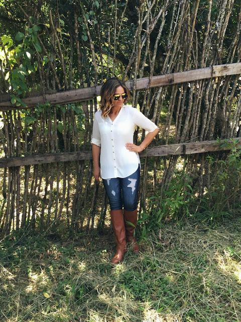 what to wear on safari: women's layered safari outfit