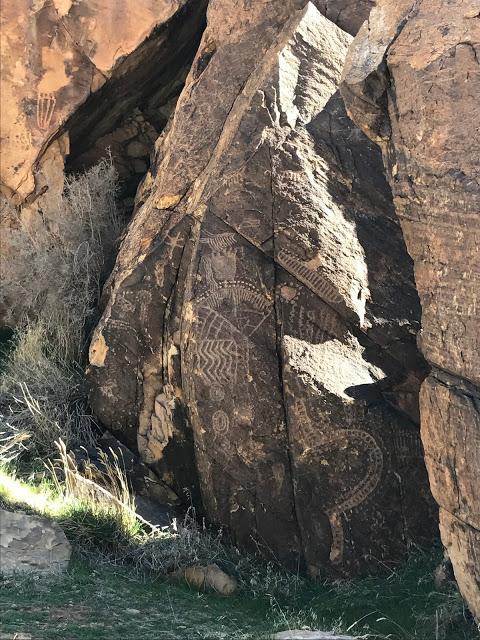 Southwest road trip itinerary: Parowan Gap Petroglyphs