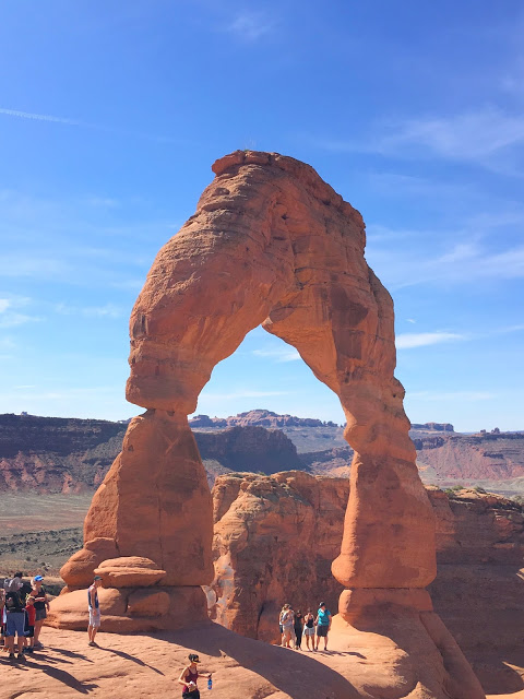 Southwest national parks road trip - Delicate Arch at Arches National Park