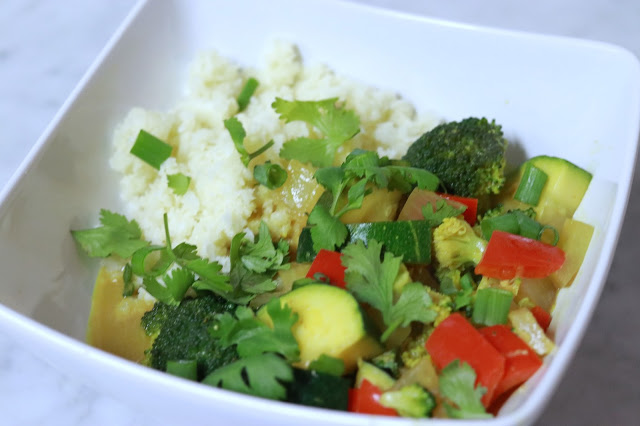 easy vegan curry recipe: low carb vegan coconut curry