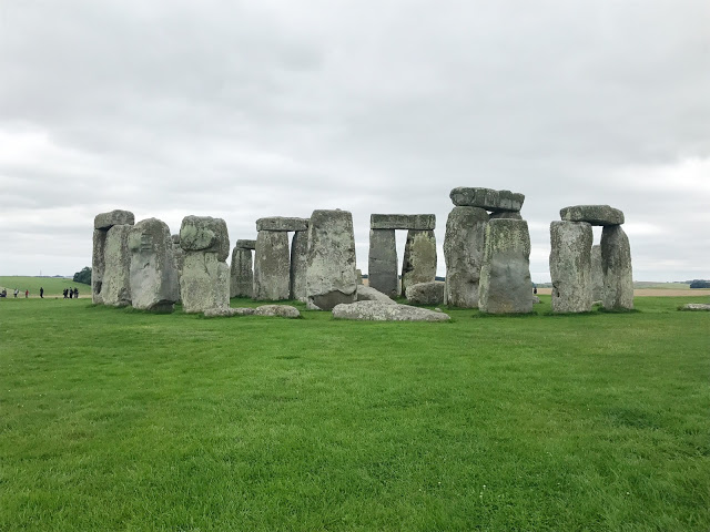 must-see spots in england during a driving tour: stonehenge