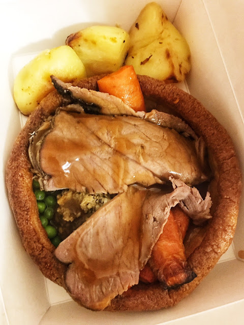 uk road trip itinerary idea: eat yorkshire pudding in york! york roast co