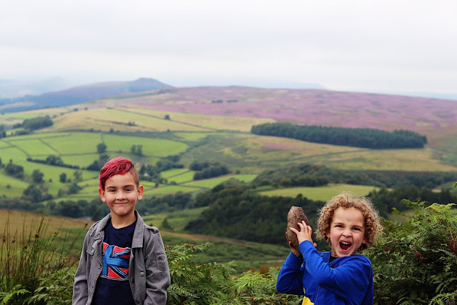 stanage edge in the peak district - uk road trip planning