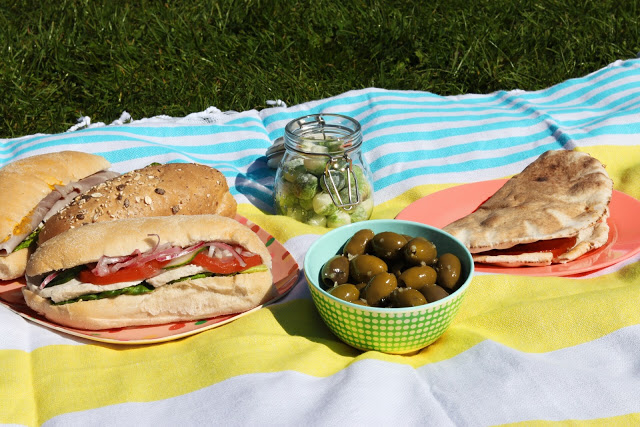 driving tour of england: picnic lunch in the lake district