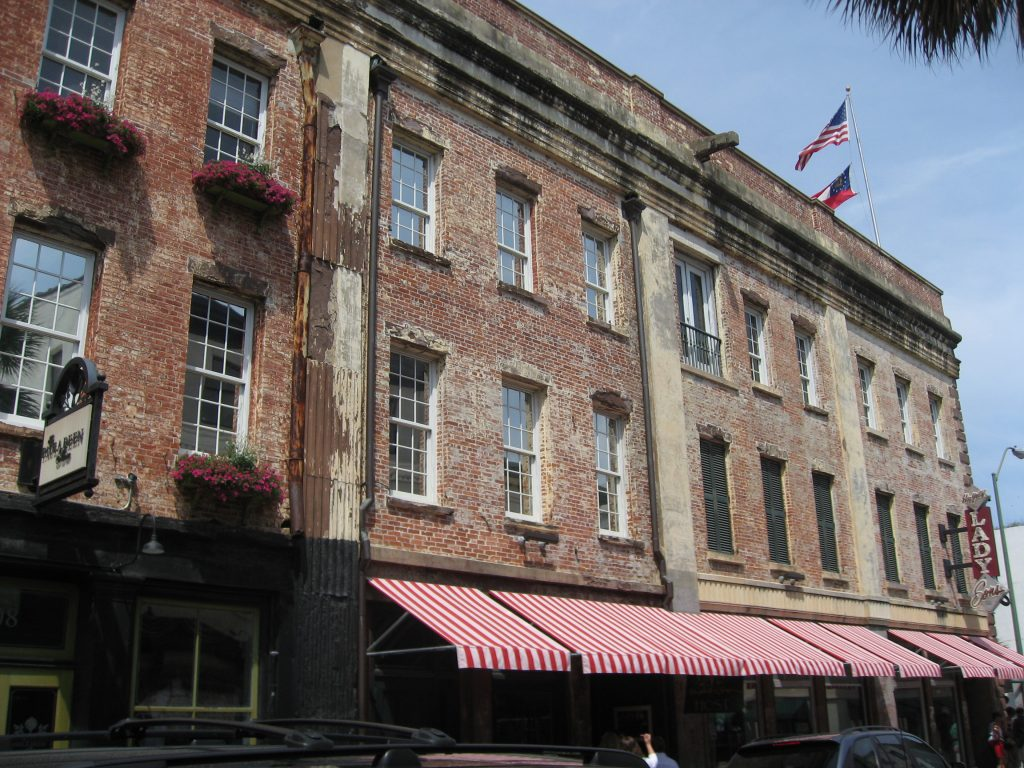 Itinerary for a Savannah GA weekend getaway: Paula Deen's Lady & Sons