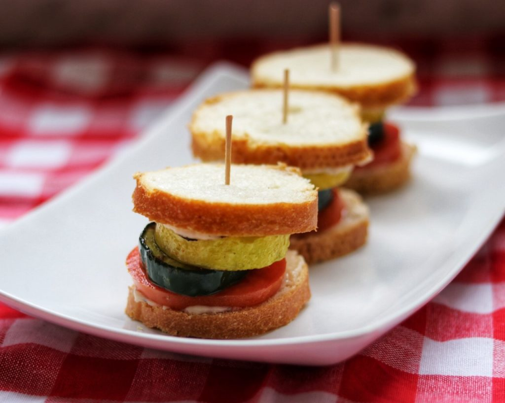 easy picnic food idea: garden sliders