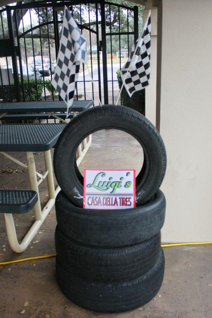 Disney Cars birthday supplies - Luigi Casa Della Tires