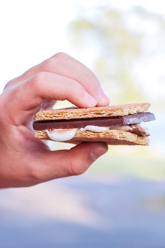 alternative s'mores idea: use cinnamon graham crackers