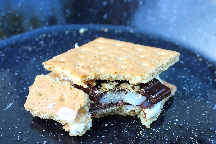 s'mores alternative: mint chocolate s'more