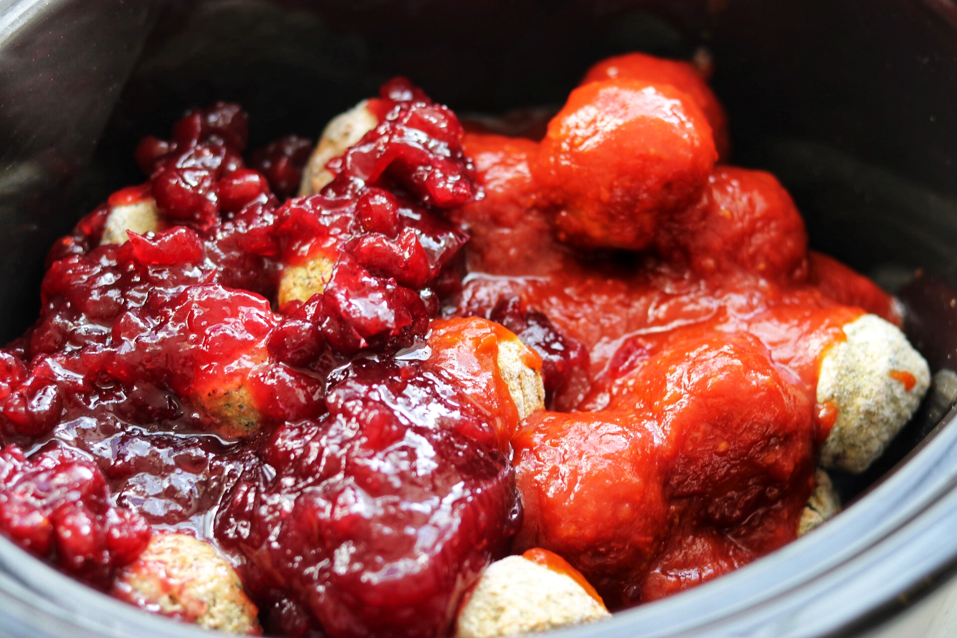 slow cooker chili and cranberry sauce meatballs recipe