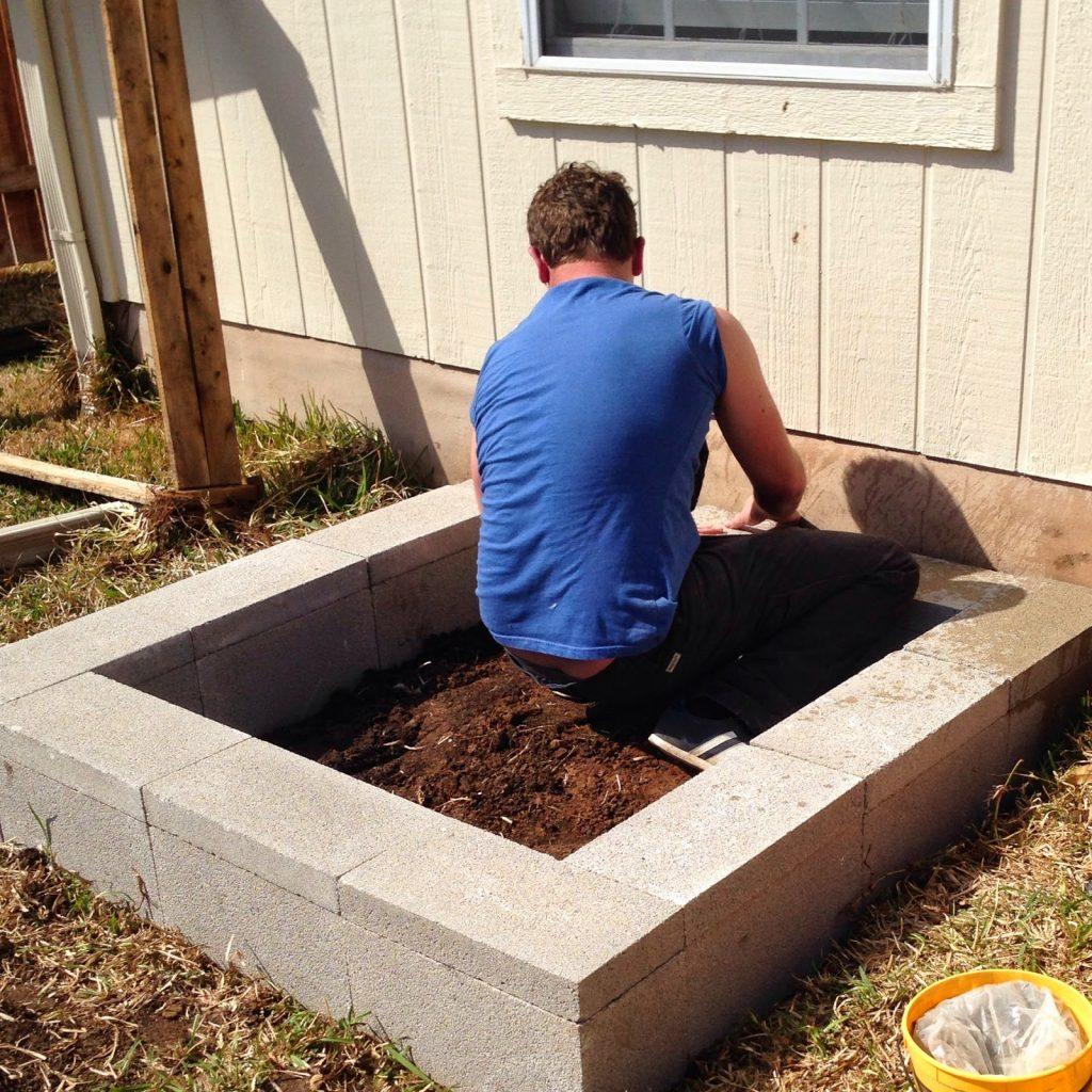 Concrete Block Garden Bed: DIY Cinder Block Raised Garden Bed