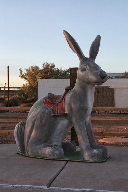 Route 66 road trip itinerary - route 66 roadside attractions: jackrabbit trading post