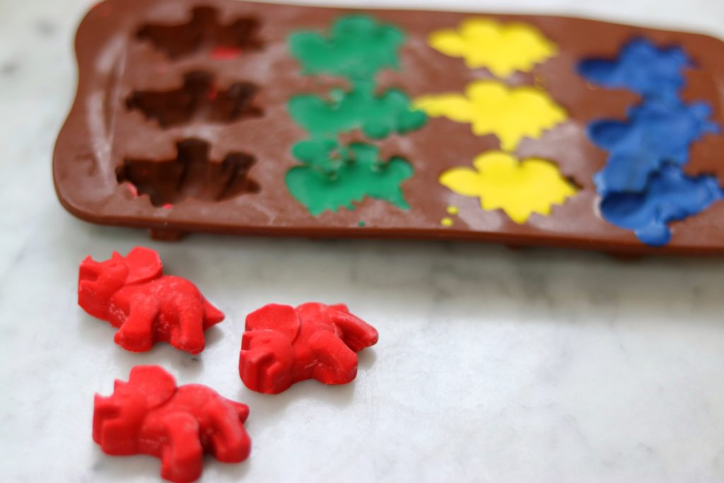 Inexpensive party favors: Fun Shape Crayons from Silicone Molds
