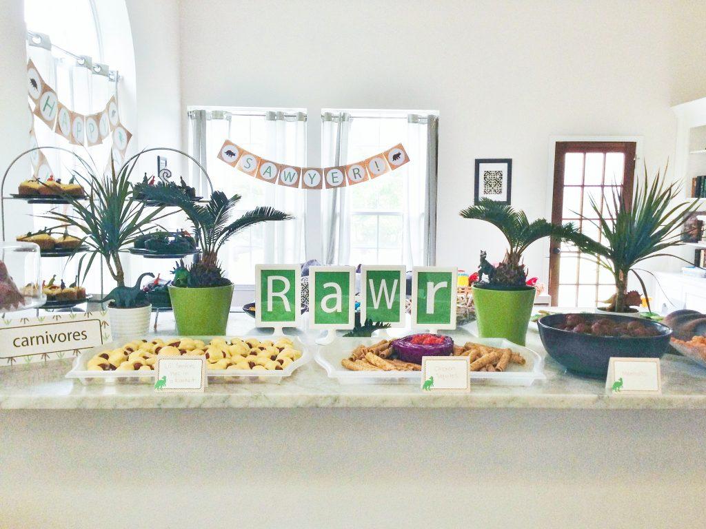 Dinosaur party decorations DIY