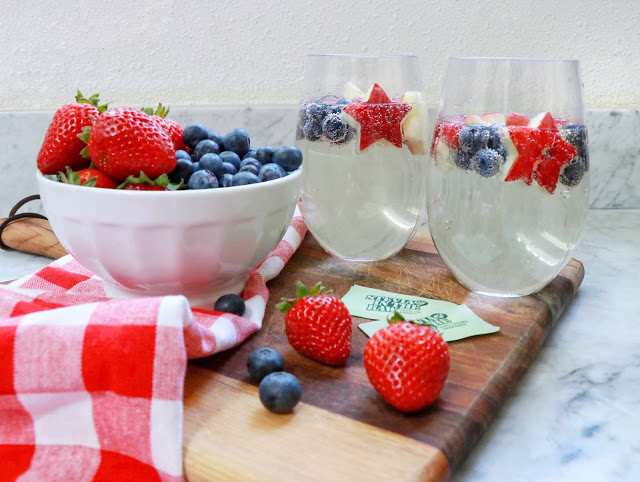 How to make  low sugar red white and blue wine spritzer