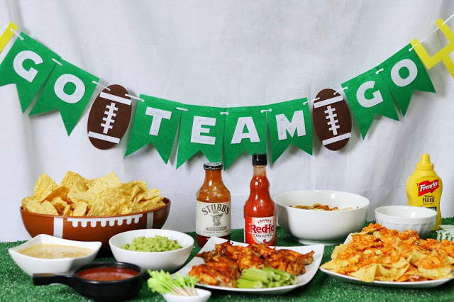 football party decorations: Go Team party banner