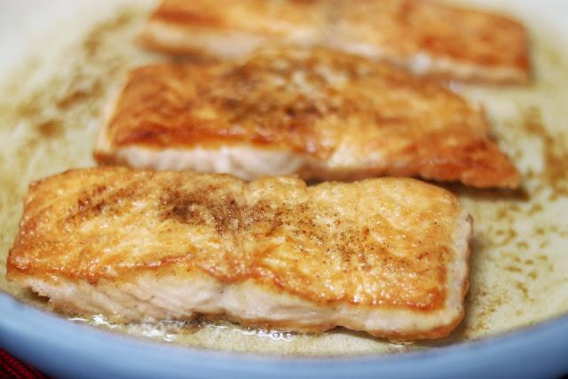 easy salmon recipe idea: salmon piccata