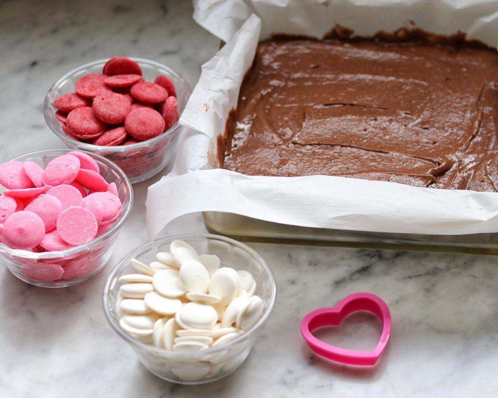 How to make Valentine's brownie bites