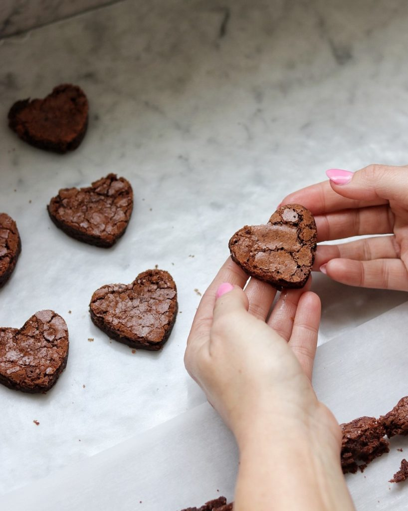 How to make brownie hearts