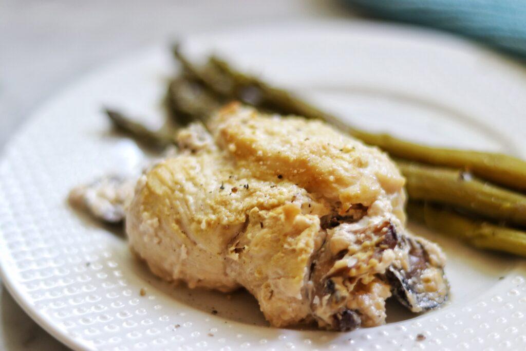 keto stuffed chicken recipes: low carb stuffed chicken