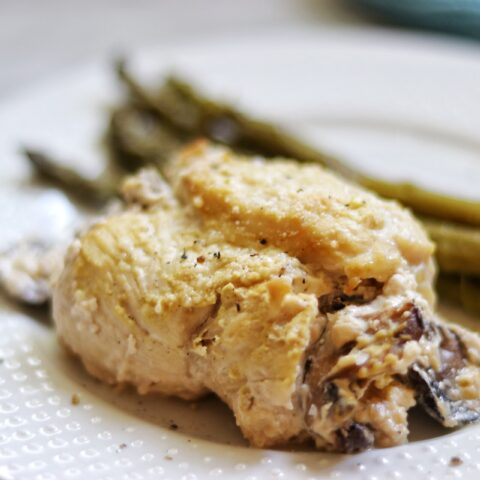 keto mushroom stuffed chicken breasts recipe - easy keto dinner ideas