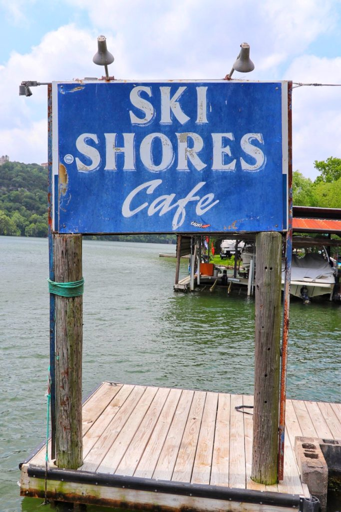 Family-friendly and family fun dining in Austin, Texas at Ski Shores Cafe on the lake