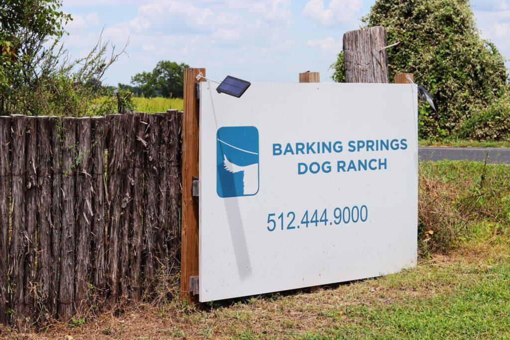 austin dog boarding - barking springs dog ranch nar AUS airport