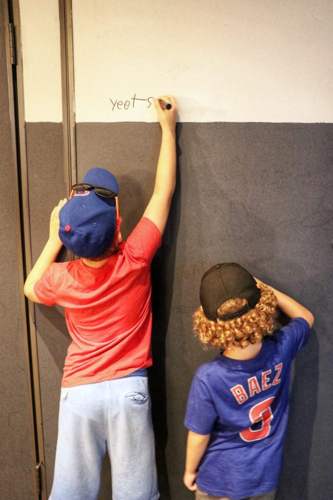 kid-friendly restaurants in Chicago: let them leave their mark on the wall at Gino's East