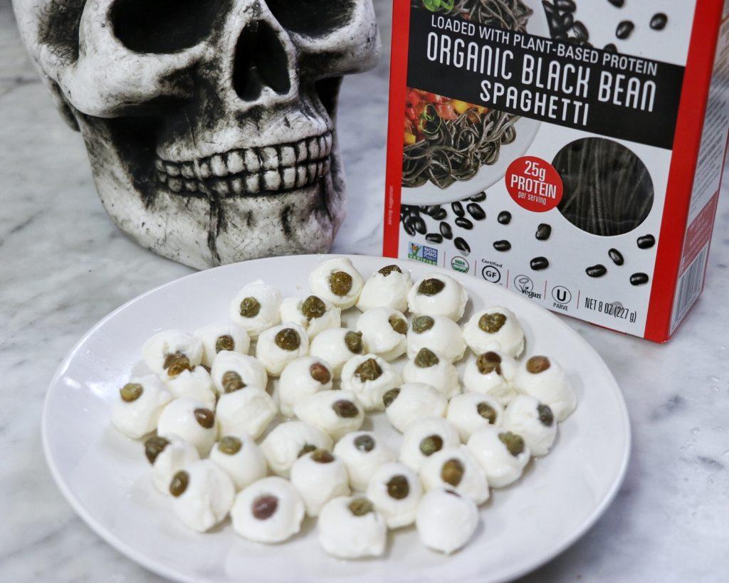 how to make spooky spaghetti with eyeball meatballs