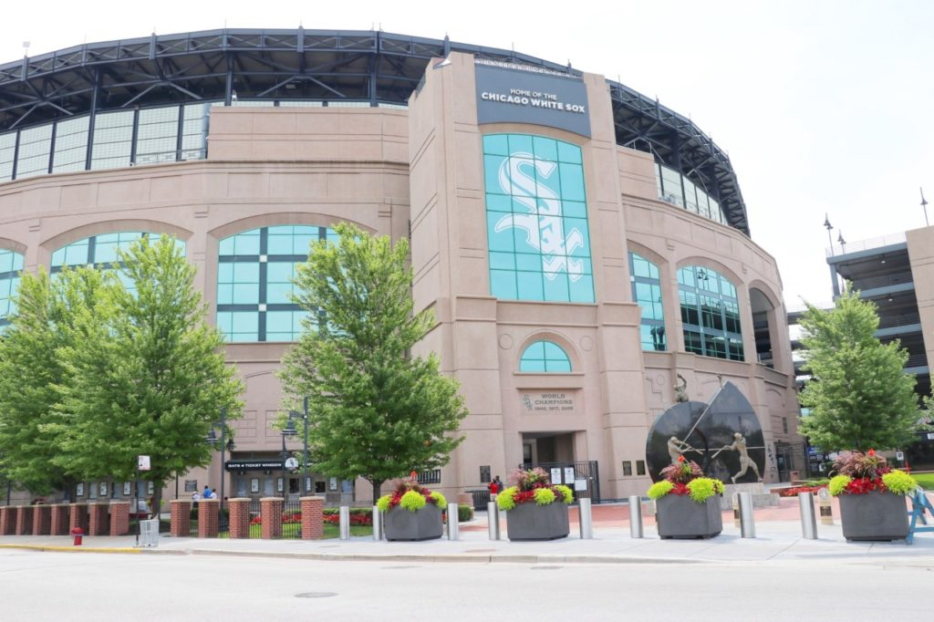baseball stadium road trip: white sox guaranteed rate field in chicago, il