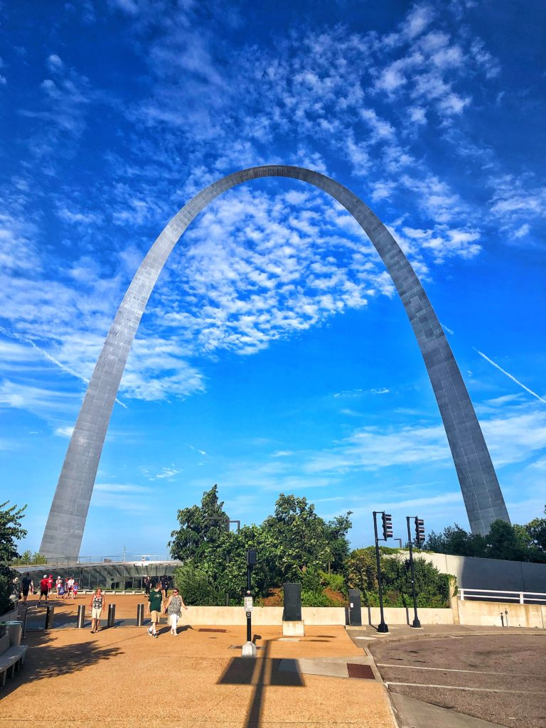 planning the ultimate Midwest baseball road trip: visit Gateway Arch in St. Louis when you're in town for a Cardinals game