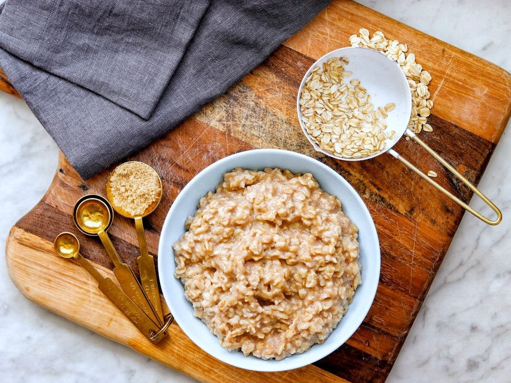 5-Ingredient Cinnamon and Brown Sugar Instant Pot pot in pot Oatmeal recipe