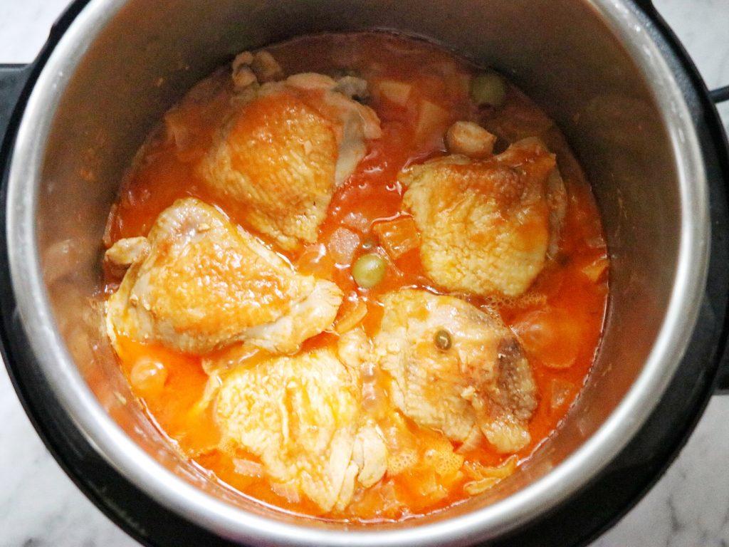 Instant Pot Estofado de Pollo (Puerto Rican chicken stew, or pollo guisado)