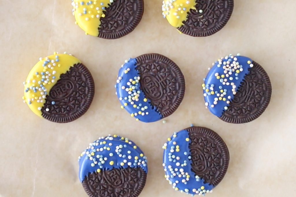 ideas for candy melts: dipped oreos