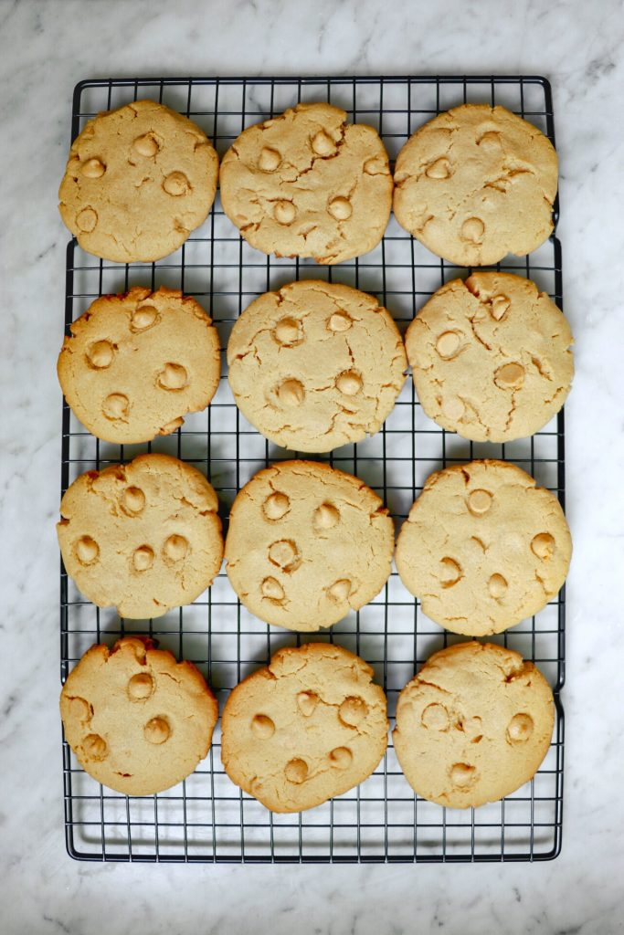 gluten free chewy peanut butter cookies