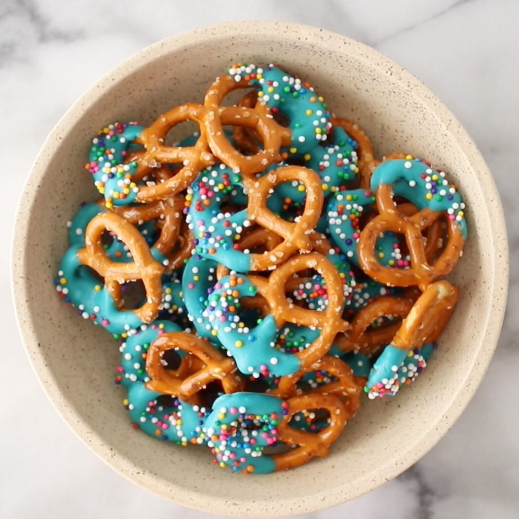 ideas for candy melts: dipped pretzels