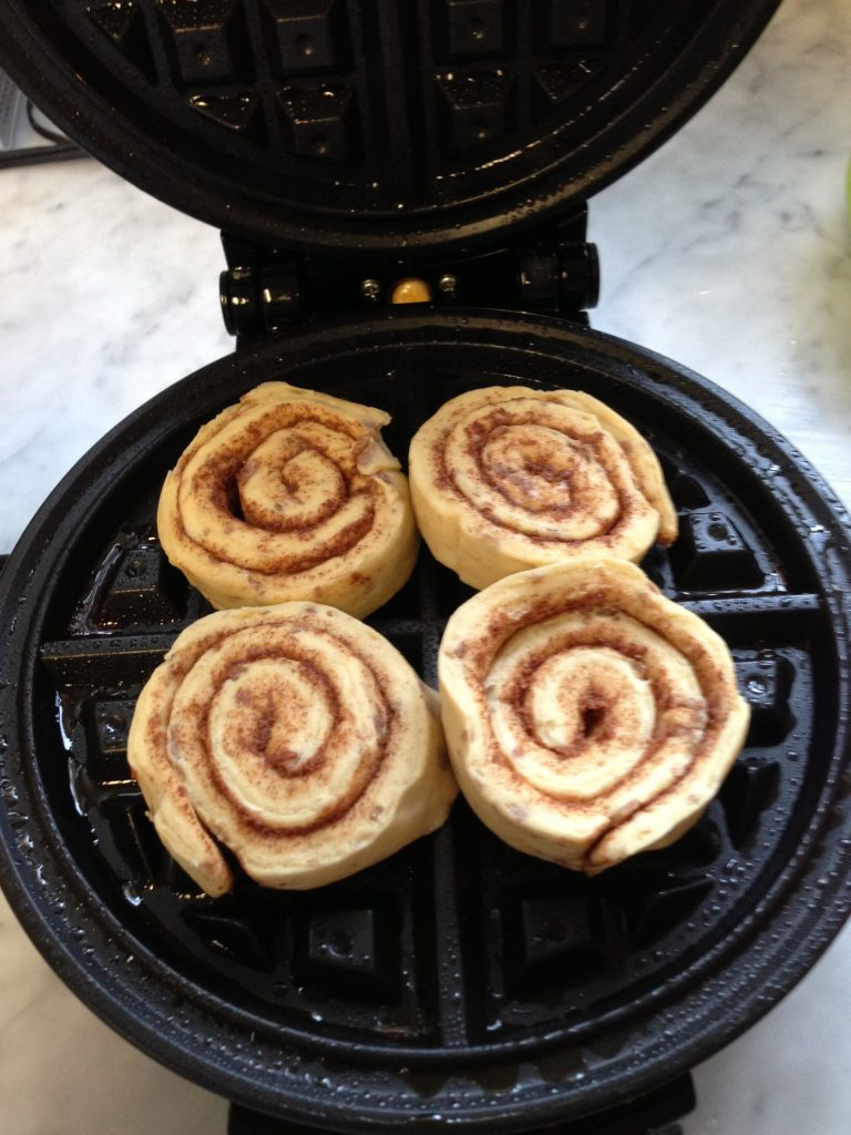 how to make cinnamon rolls in waffle maker