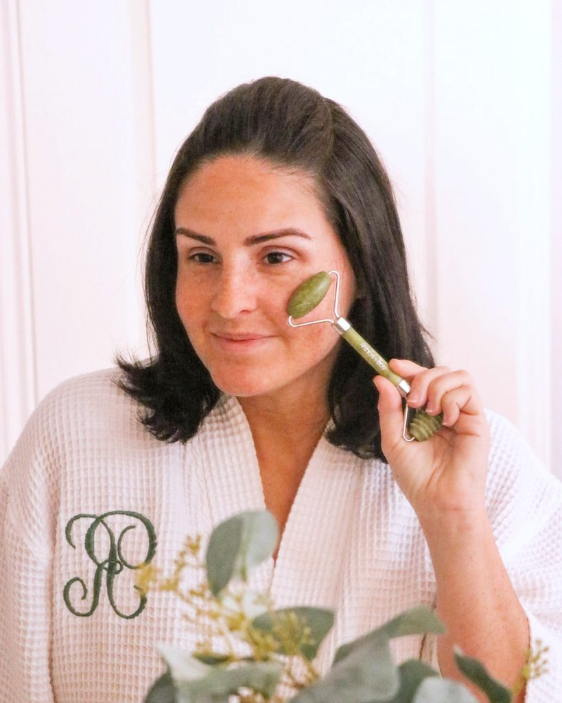 sustainable skincare: dual action jade roller from Eco & Earth