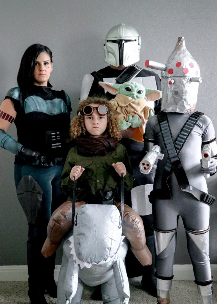 Family Mandalorian Halloween costumes