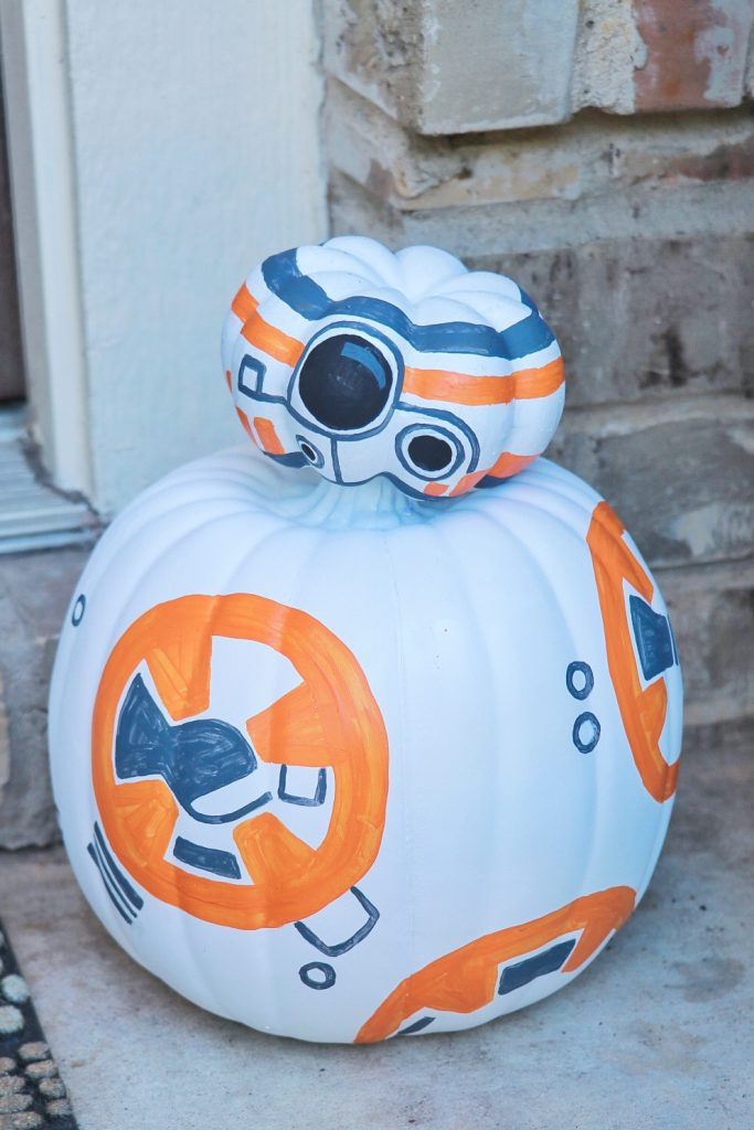 DIY BB-8 pumpkin craft (Star Wars Halloween decoration ideas)