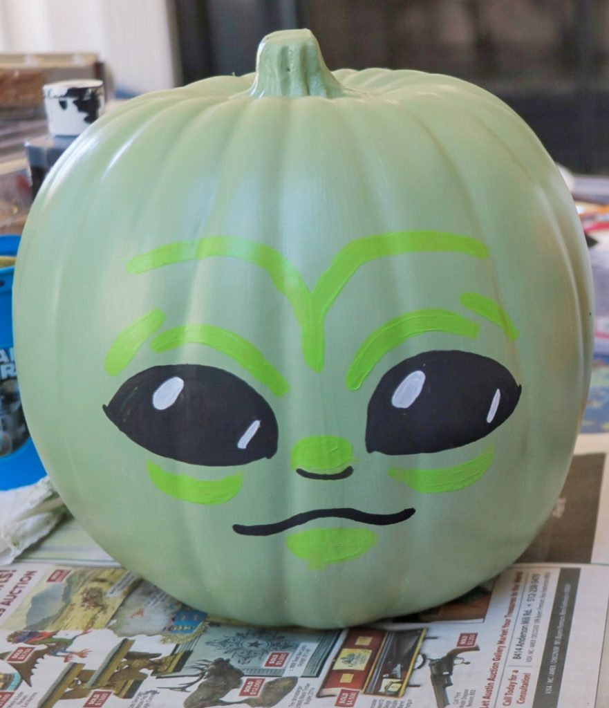 DIY Baby Yoda pumpkin craft