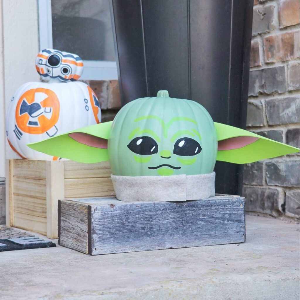 BB-8 and Baby Yoda pumpkin crafts