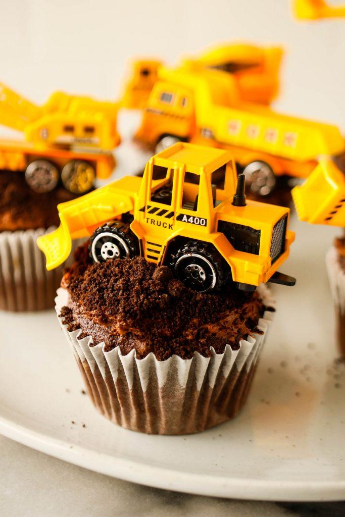 fun birthday cupcake ideas: construction cupcakes