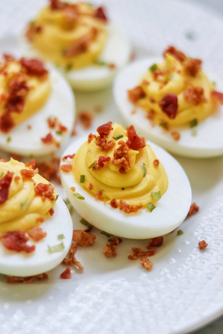 Bacon Ranch Deviled Eggs (deviled eggs with a twist!)