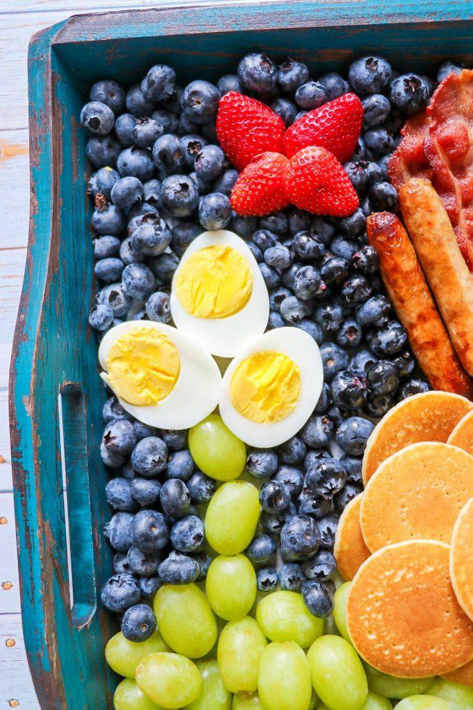 Easter breakfast idea: Easter bunny brunch board