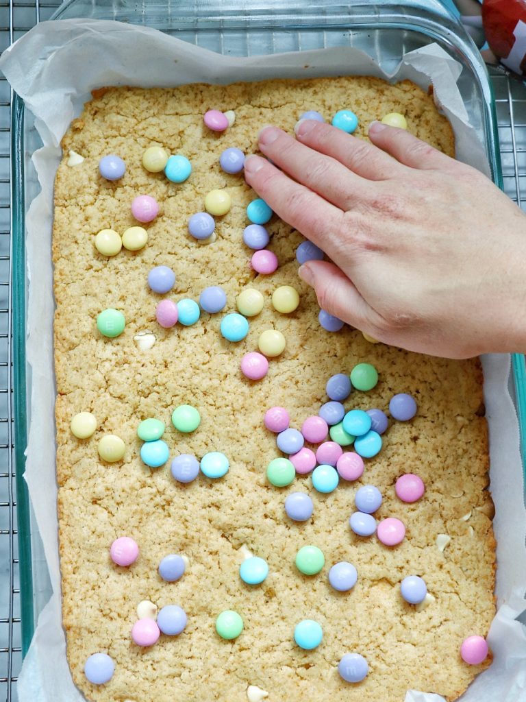 M and M blondies (the perfect Easter blondies recipe)