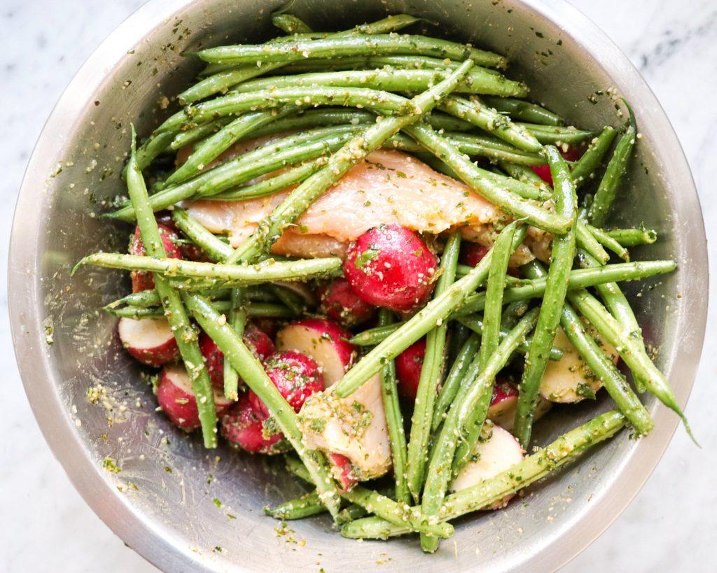 how to make one pan pesto chicken with veggies